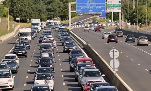 Les autoroutes en France seront bondées cette année