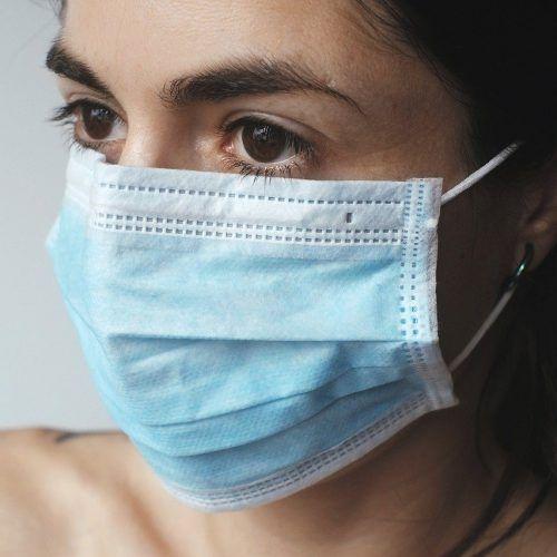 Le coronavirus est-il naturel ou fabriqué en laboratoire ?