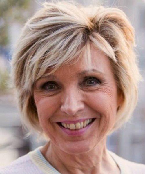 Évelyne Dhéliat : la présentatrice météo lutte contre la mort, mais avec sourire !