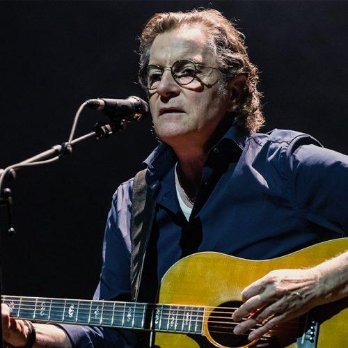 Francis Cabrel : a 66 ans, le chanteur se sent rejeté par ses enfants !