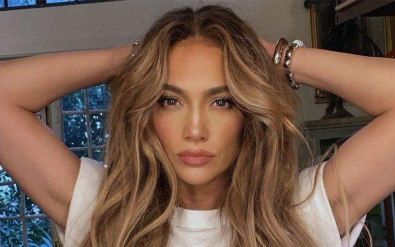Jennifer Lopez : elle poste une photo de sa nouvelle coupe de cheveux !