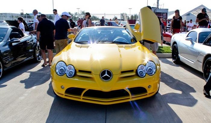 Mercedes SLR jaune