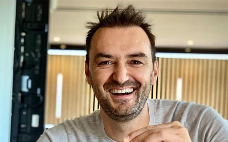 Cyril Lignac : découvrez qui est la magnifique fiancée du chef cuisinier !