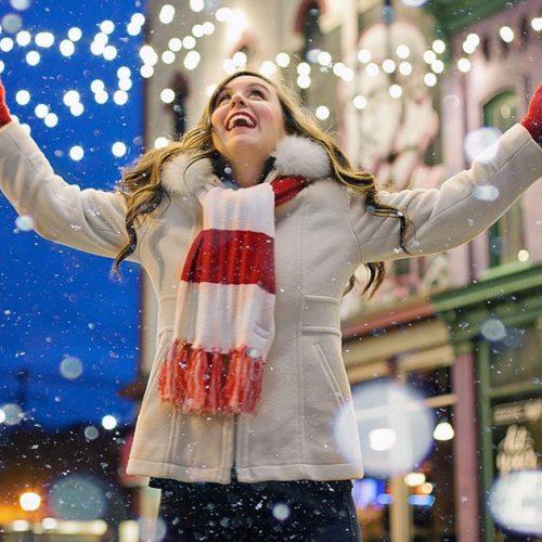 Fêtes de fin d'année : cette année pourra-t-on célébrer les fêtes avec nos proches ?
