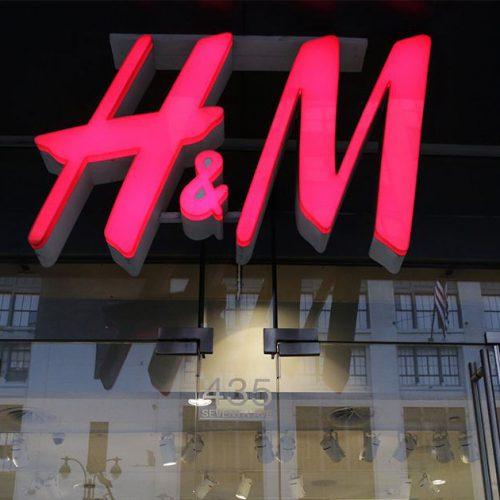 H&M : ils sortent un pull hyper tendance et pas très cher pour cette nouvelle saison !