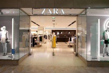 Zara : cette très belle robe en maille qu'on veut toute avoir dans notre armoire !