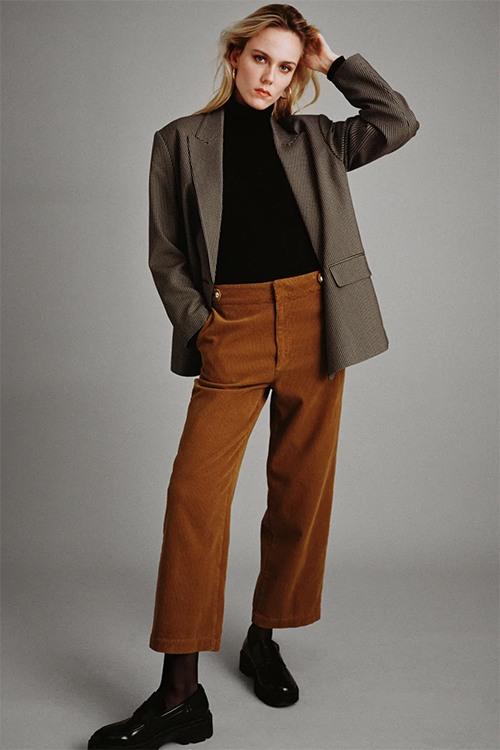 Pantalon en velours de chez Zara