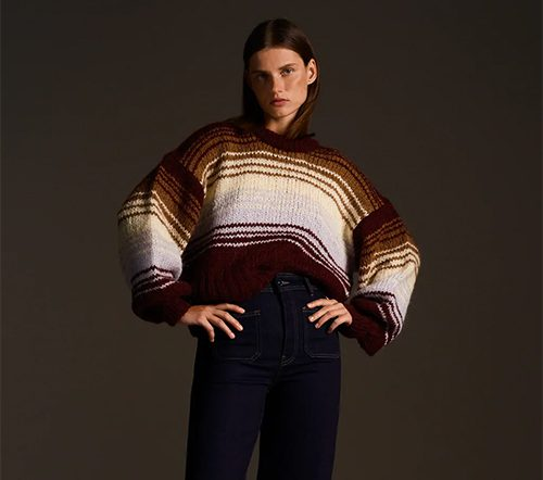 Porter un pull à rayures
