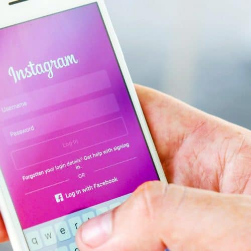 Instagram : est-ce que les stars achètent encore des followers en 2021 ?