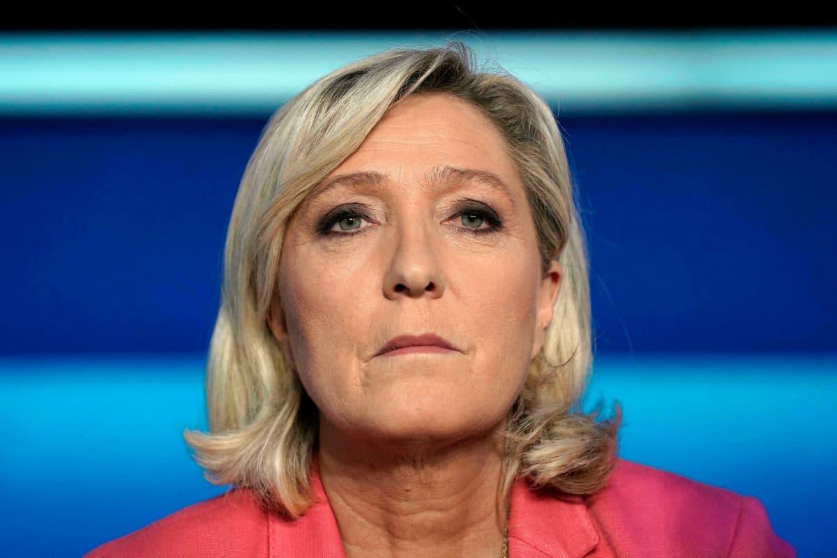 Candidature de Marine Le Pen à l'élection présidentielle de 2022, Eric Zemmour la traite de perdante!