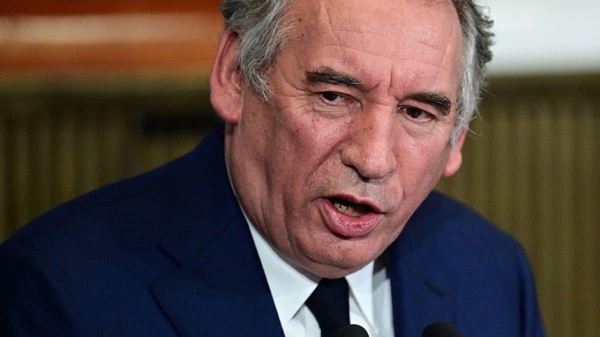 Débat sur les prénoms : pour Bayrou, Zemmour n'est pas différent du maréchal Mobutu !