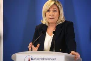 Présidentielle 2022 : Marine Le Pen en déplacement en Isère dévoile les points de son programme sur les questions de la retraite, des péages, de la redevance télé et de l'écologie !