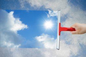 Astuces pour nettoyer efficacement les vitres de votre maison !