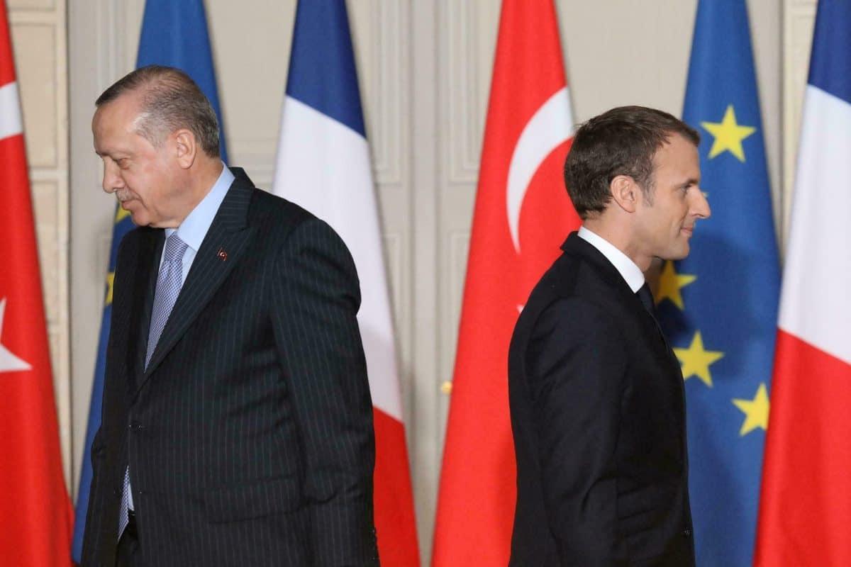 Diplomatie : l'ambassadeur de France et les autres diplomates restent en Turquie!